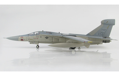 Hobby Master 1:72 United States Air Force (USAF) General Dynamics EF-111A Raven 'Cherry Bomb', 66th ECW, 42nd ECS, RAF Upper Heyford, 1987 67-0052 (HA3023)