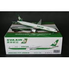 JC Wings 1:200 Eva Air Boeing B777-300(ER) 'Old Colours' B-16712 (XX2781)