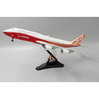 JC Wings 1:200 Boeing Aircraft Company Boeing B747-8 Intercontinental 'Sunrise' N6067E (LH2078)