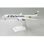 JC Wings 1:200 Finnair Airbus A350-900 XWB 'Happy Holidays - Flaps Down' OH-LWD (LH2196A)