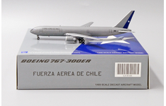 JC Wings 1:400 Fuerza Aerea de Chile (Chile Air Force) Boeing B767-300(ER) VIP 985 (LH4166)