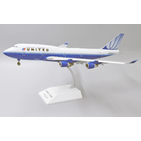 JC Wings 1:200 United Airlines Boeing B747-400 'Old Colours - Flaps Down' N104UA (XX2266A)